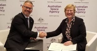 Canadian Space Agency President Sylvain Laporte and ‎Dr. ‎Megan Clark‎, Chief Executive of the Australian Space Agency sign Memorandum of Understanding