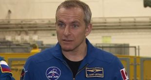 Astronaut David Saint-Jacques answer questions from Russian media